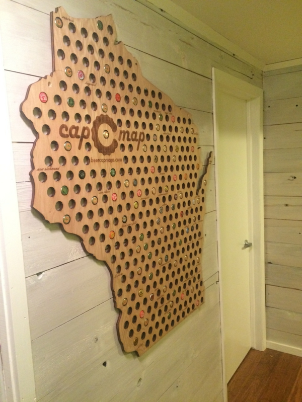 kreatives basteln landkarte staaten holz bierflaschenverschlüsse