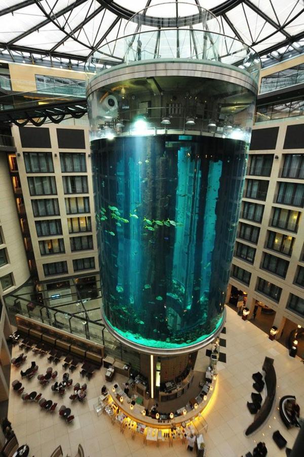 luxushotels design ferienhaus Radisson Blu Berlin aqurium