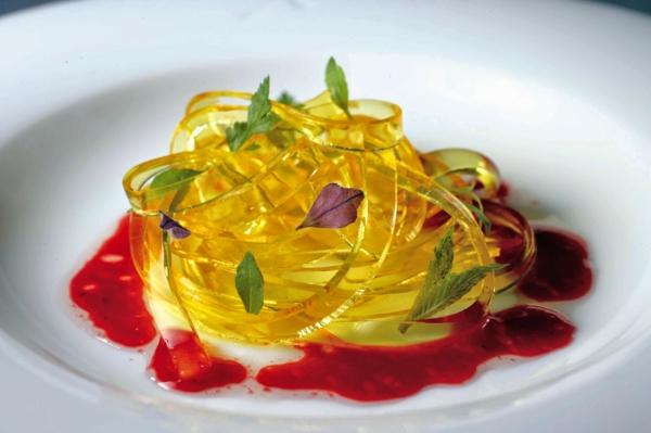 molekulare küche tomaten tagliatelle kräuter