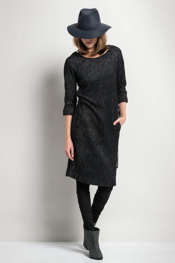 neue modetrends  dunkle schwarzes kleid styling tipps