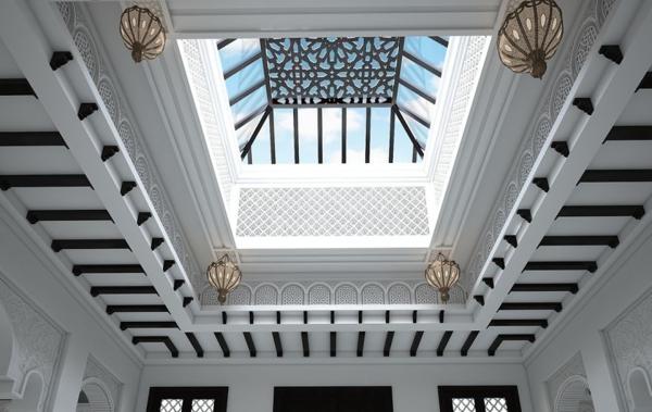 orientalische ornamente dachfenster laternen