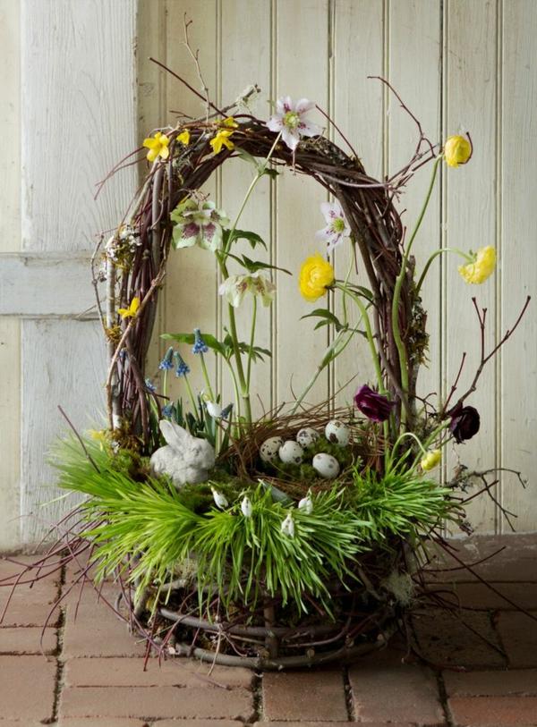 osterkorb basteln frühlingsblumen osterglocken gras osterkörbchen
