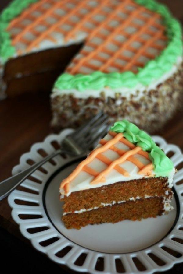 ostermenü-rezepte-nachspeise-möhrenkuchen-osterrezepte