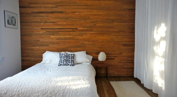 paneele schlafzimmer weiße bettwäsche luftige gardinen