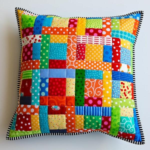 patchwork stoffe dekokissen schöne dekoideen