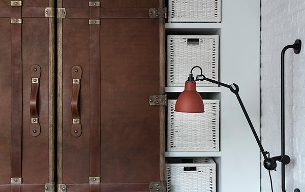 penthousewohnung kleiderschrank alter koffer