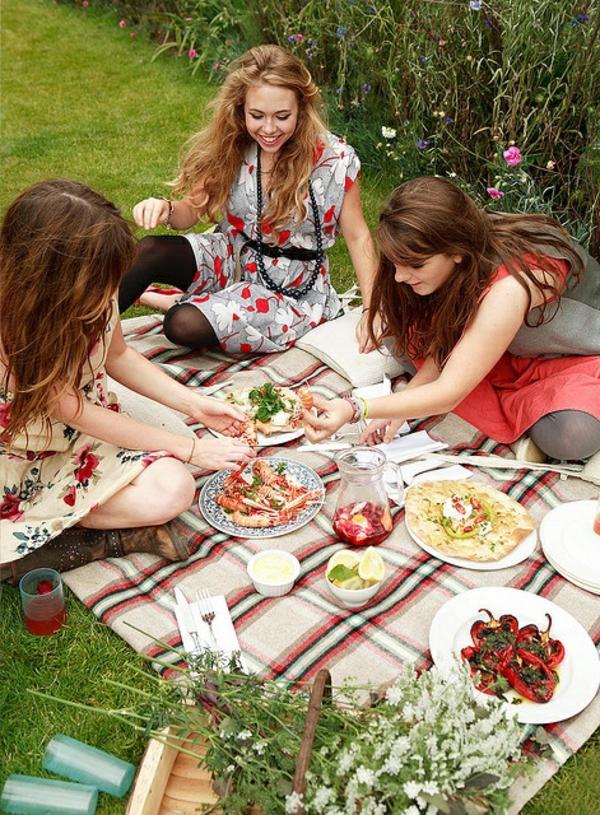 pichnick sommer natur genießen picknickdecke