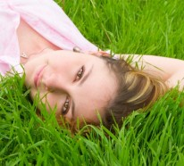 Rasen richtig düngen: nützliche Tipps zur Rasenpflege