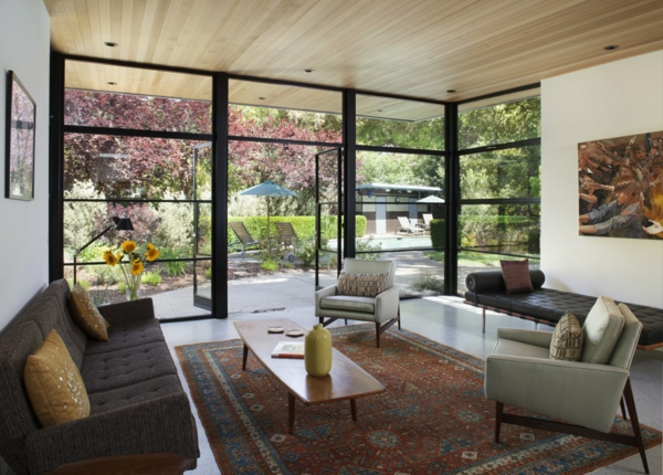 retro couchtisch wohnzimmer interieur panoramafenster