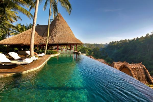 romantik wochenende bali hotel infinity pool