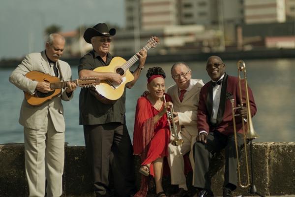 salsa musik hören buena vista social club malecon