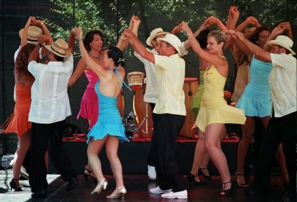 salsa musik hören tanzen kubanische rueda