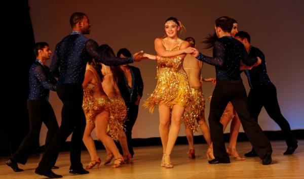 salsa musik rueda bühnenauftritt