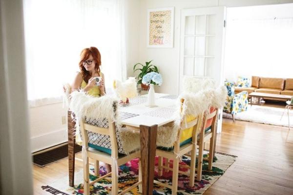 schöne dekoideen esszimmer farbiger teppich tischdeko