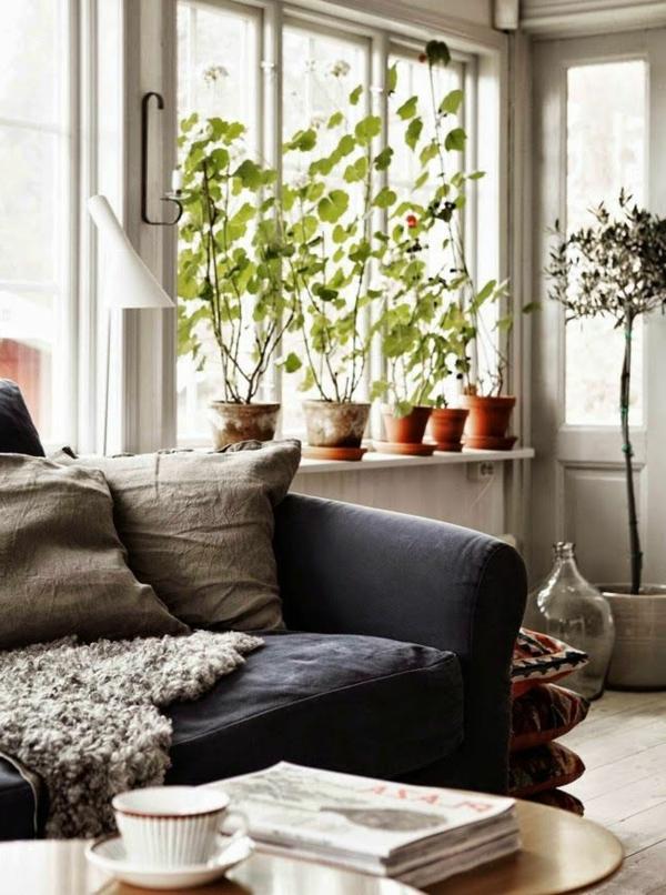 schöne wohnideen wohnzimmer fensterbank deko