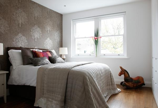 schlafzimmer design schöne wandtapete holzboden