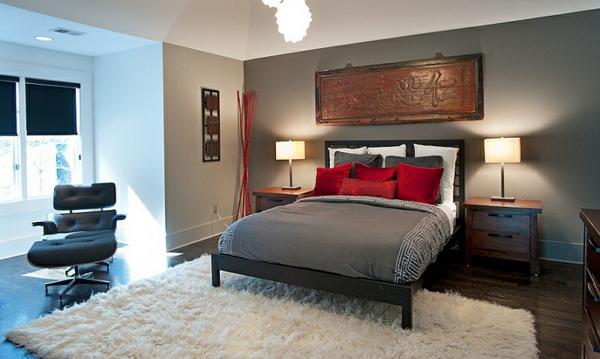 schlafzimmer hochflor teppich rote kissen