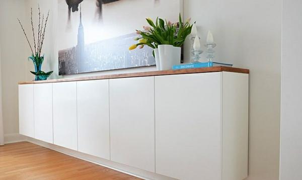 sideboard h ngend an der wand f r eine schicke zimmerausstattung. Black Bedroom Furniture Sets. Home Design Ideas