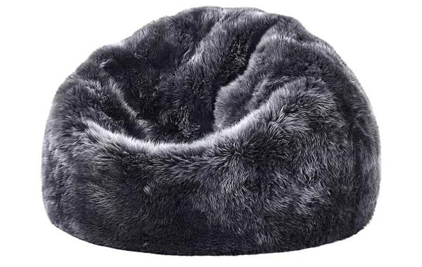 sitzsäcke sessel komfort groß dunkelgrau schafsfell