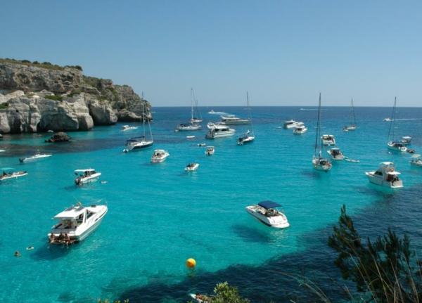 spanienurlaub menorca bucht yachten