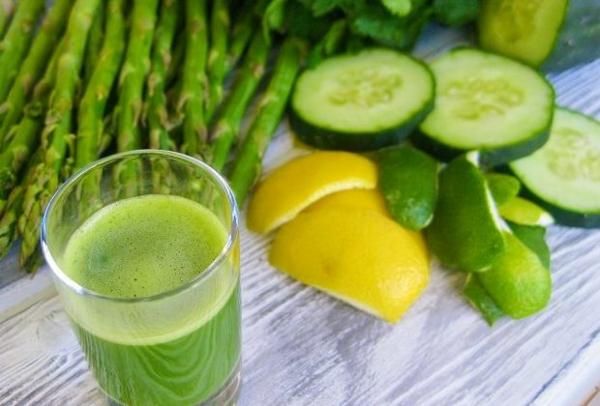 spargel gesund essen und trinken spargelsaison spargelsaft smoothie