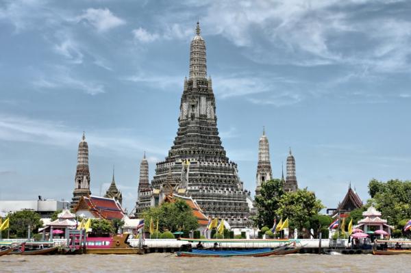 thailandurlaub reisen und urlaub Wat Arun bangkok