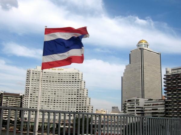 thailandurlaub reisen und urlaub bangkok fahne