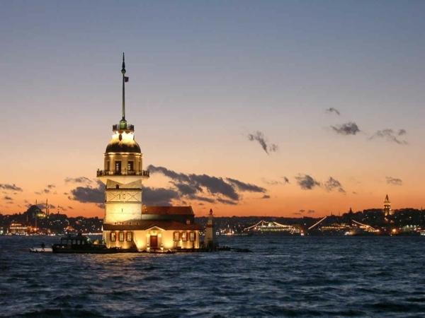 traumurlaub türkei istanbul meer nachtleuchten