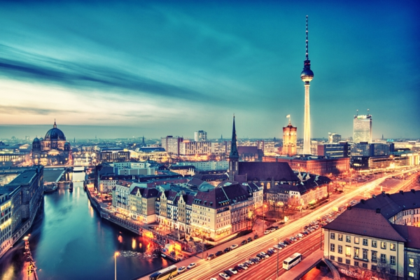 urlaubsziele europa berlin nacht stadtpanorama