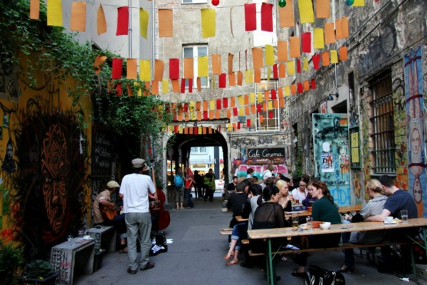 urlaubsziele europa cafe cinema
