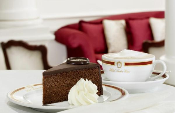 urlaubsziele europa wien kaffee torte sacher