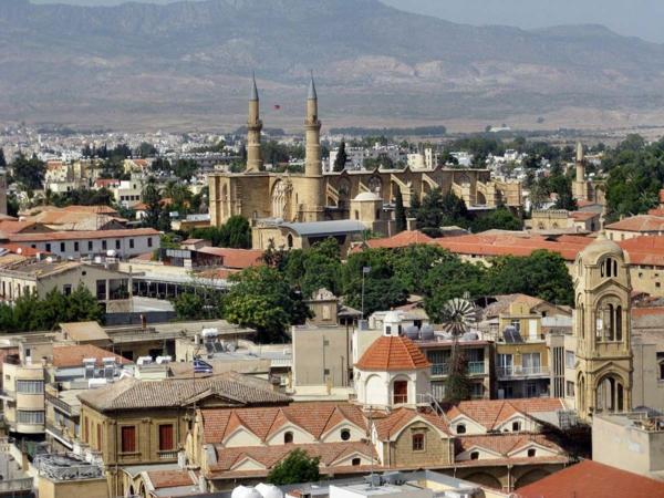 urlaubsziele europa zypern nikosia kloster moschee