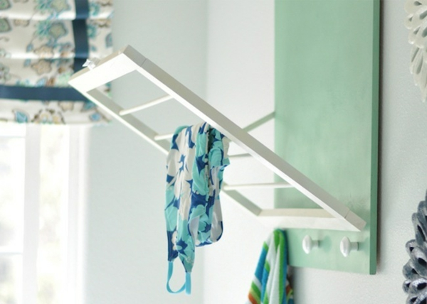 wäschekorb holz an der wand montiert waschküche einrichten