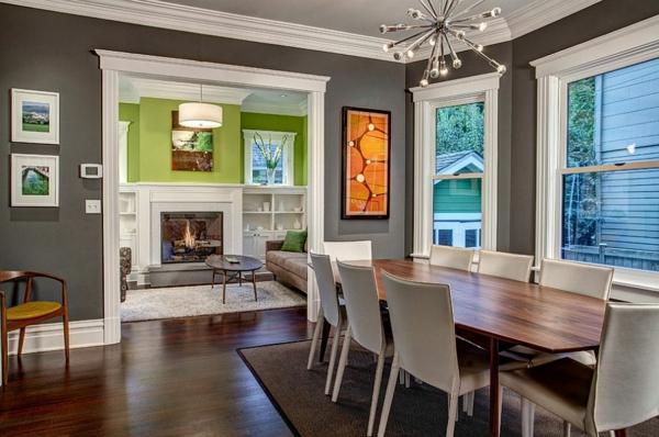 wandfarbe grau essraum weiße stühle walnussholz tisch
