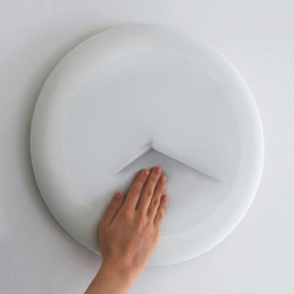 wanduhr design weiß weiches zifferblatt