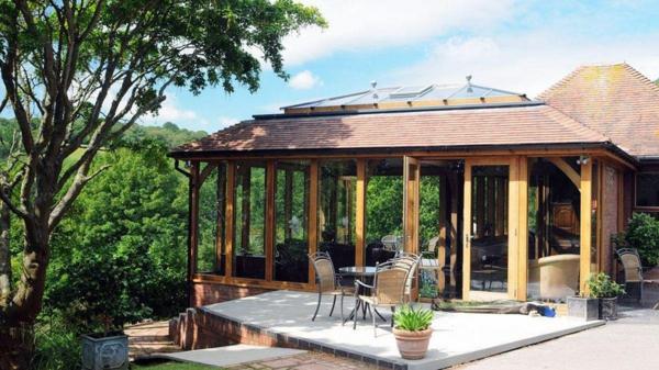 Wohnwintergarten Gestalten Und In Eine Gemütliche Glasoase Verwandeln Einrichtungsideen Wintergarten Veranda