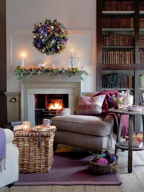 wohnung gemütlich einrichten kamin lila teppich