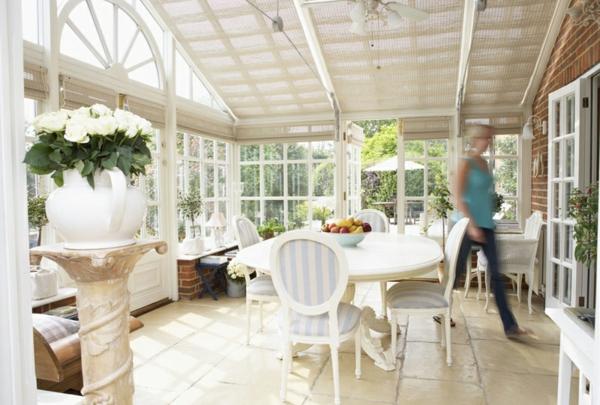 wohnwintergarten bilder wohnraum wintergarten esszimmertisch mit stühlen