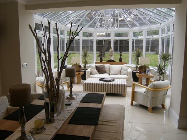 wohnwintergarten gestalten und in eine gem tliche glasoase. Black Bedroom Furniture Sets. Home Design Ideas