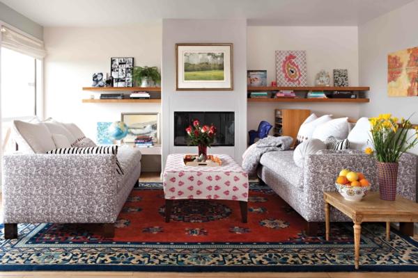 wohnzimmer einrichten farbiger teppich blumen kamin