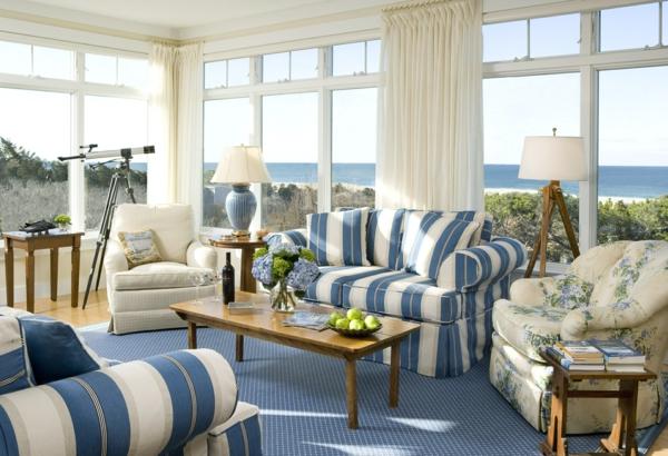 Landhaus sofas helfen dem wohnzimmer gem tlicher zu erscheinen for Teppich landhausstil