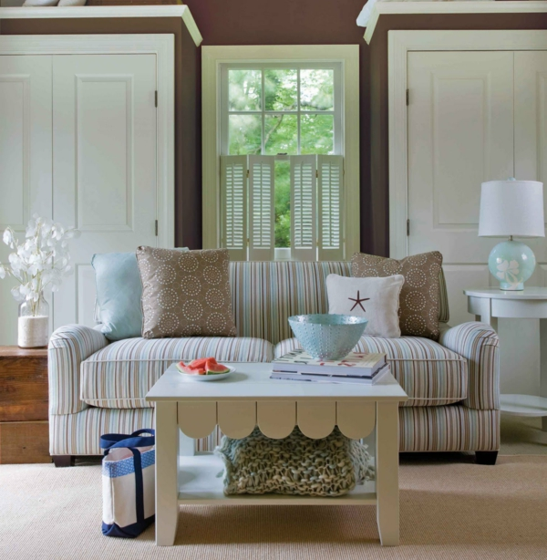 landhaus sofas streifen muster dekokissen