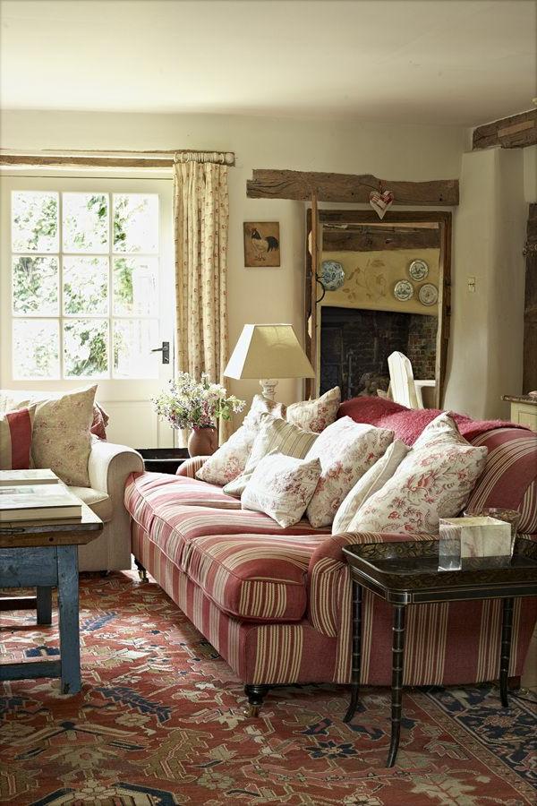 Wohnzimmer Einrichten Sofa Landhausstil Streifen