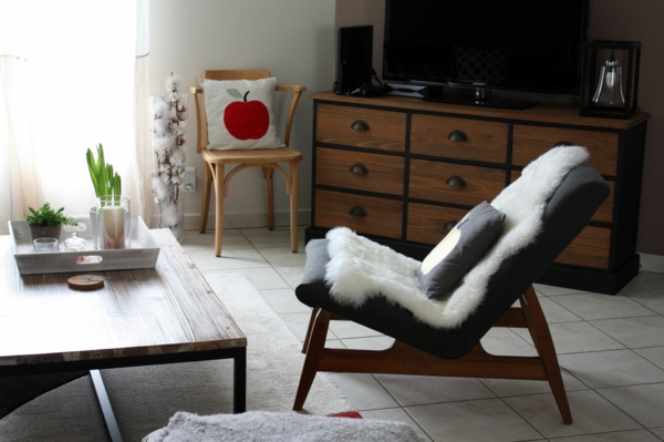 wohnzimmer einrichten vintage möbel dekokissen