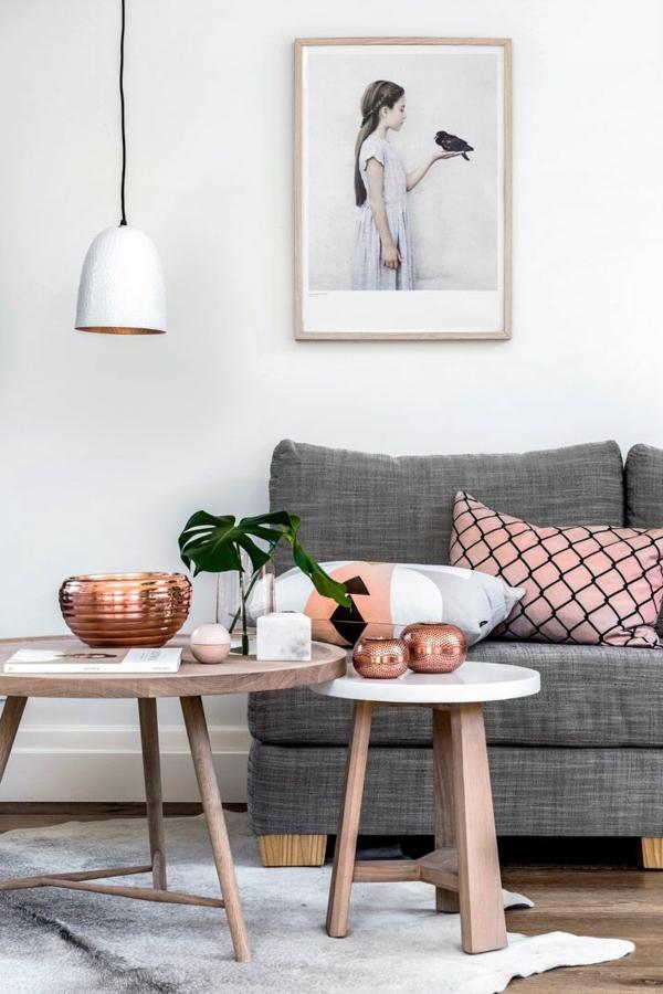 wohnzimmer gestalten fellteppich beistelltische pflanze