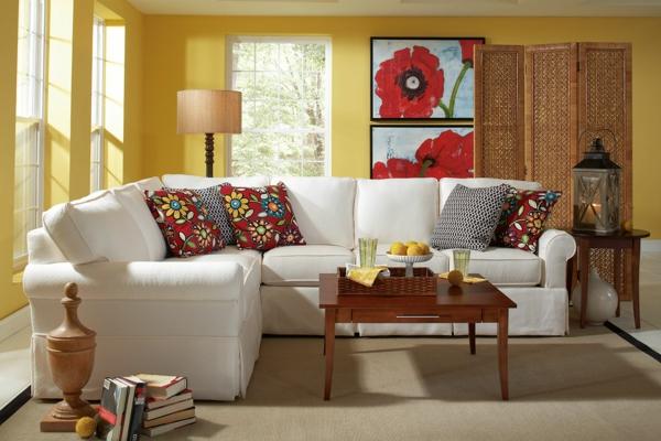 wohnzimmer weies sofa landhausstil farbige dekokissen frische bilder - Wohnzimmer Landhausstil Wei