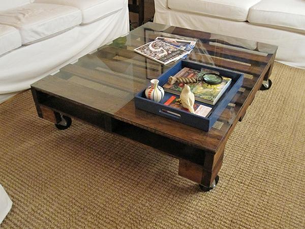paletten wohnzimmertisch:Diy Couch Aus Alten Paletten Und Schaltafeln Pictures to pin on