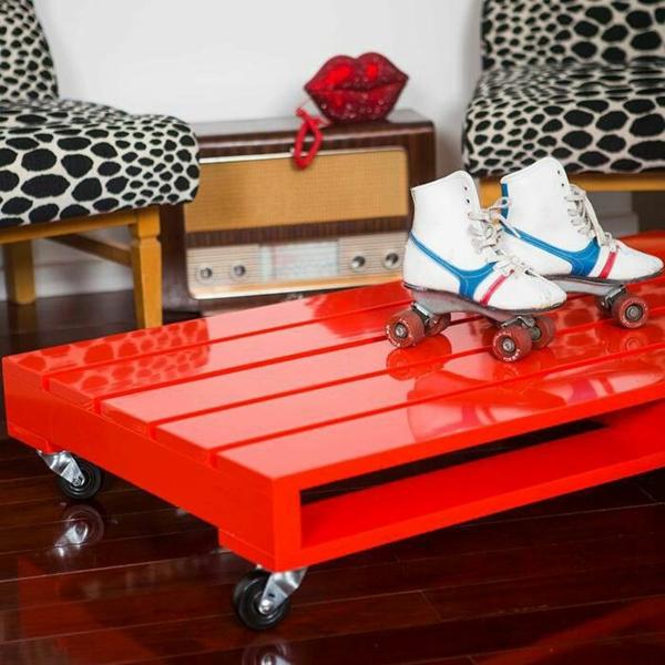 DIY Möbel aus Paletten couchtisch holz hochglanz