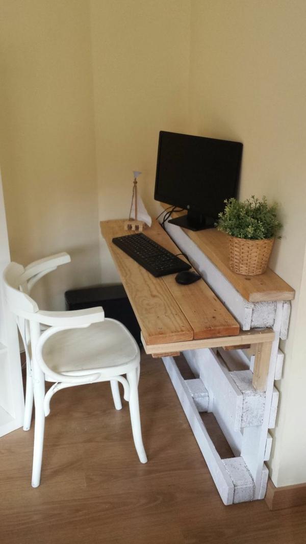 DIY Möbel aus Paletten pc tisch selber bauen