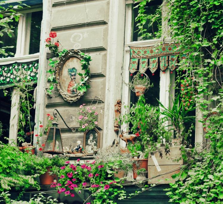 Gartenaccessoires und Gartendekoration Frühlingsblumen vintage deko ideen